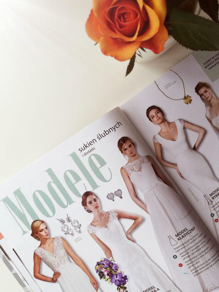 Suknia ślubna, model klasyczny